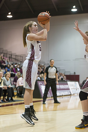 Regi grad Clare Kenney is averaging 15.5 points per game in her first year as a starter. (Yoseif Haddad photo)