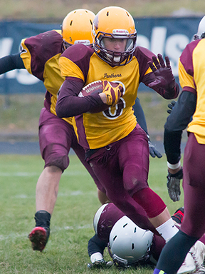 Nikolas Daniele-Reyes, seen here playing for the Regiopolis Notre Dame Panthers, has been named to the Ontario team that will play in the International Bowl football tournament in Texas in February. (sportsgate.ca photo)