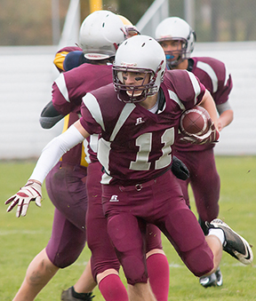 After a stellar scholastic basketball career, Frontenac's Carter Matheson has chosen to pursue football at the University of Ottawa — sportsgate.ca photo